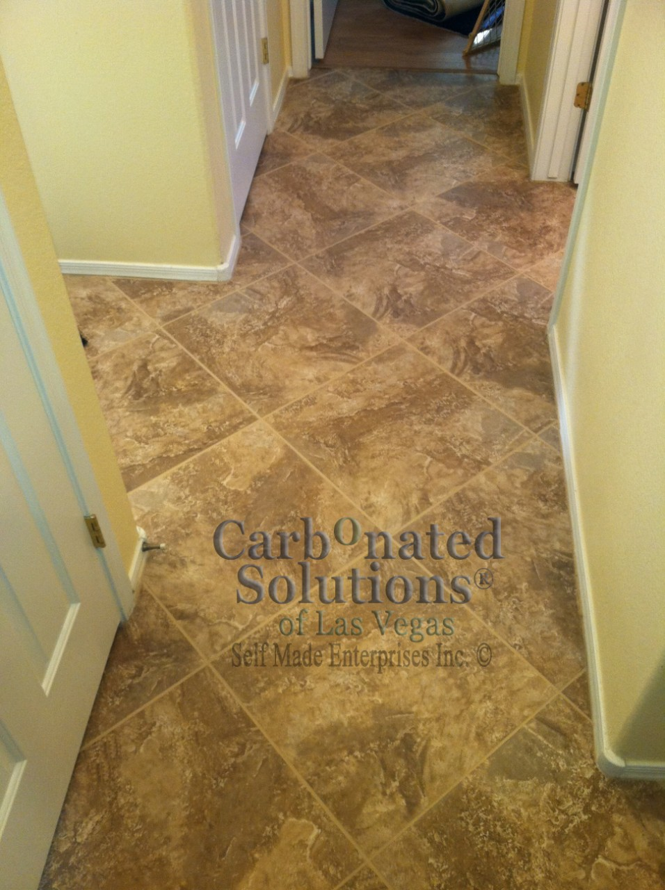 Grout sealing in las vegas by carbonated solutions carbonatedsolutionsoflasvegaslas vegas grout color sealing dailygadgetfo Images